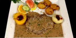Filet de biche sauce grand veneur